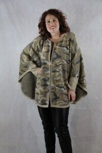 Camouflage Capelet
