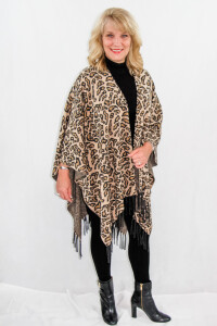 Womens Leopard print knitted shawl